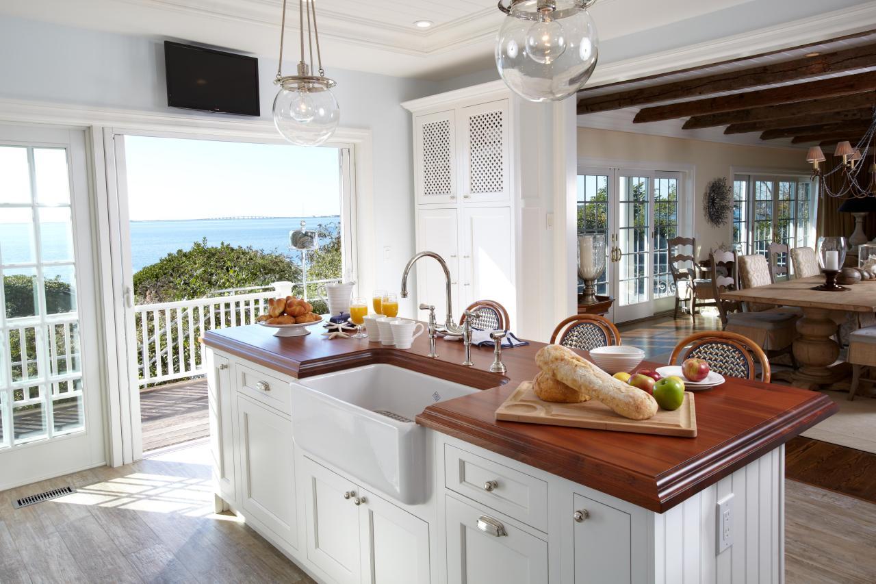 ken kelly_hamptons beach house_1jpgrendhgtvcom1280853 - Beach House Kitchen Ideas