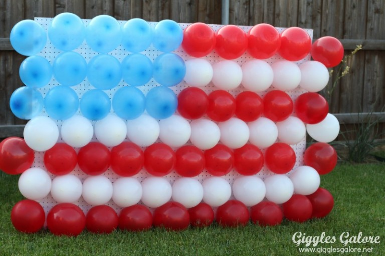 1434136870-4th-of-july-balloon-dart-game