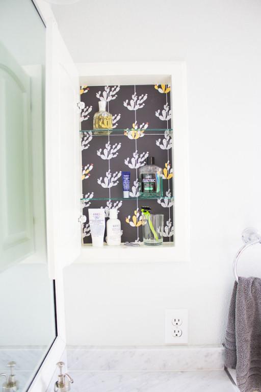 removable-wallpaper-in-bathroom-medicine-cabinet-12