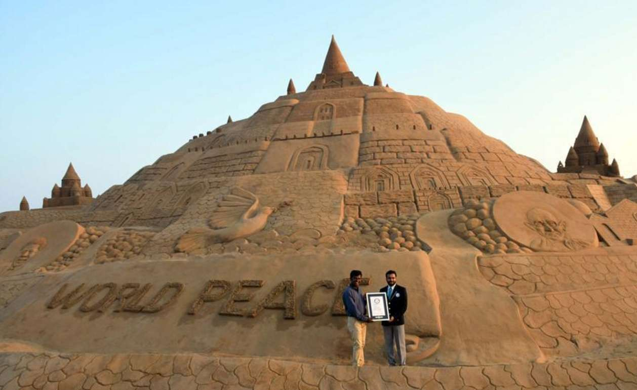 world's tallest sand castle guinness world record